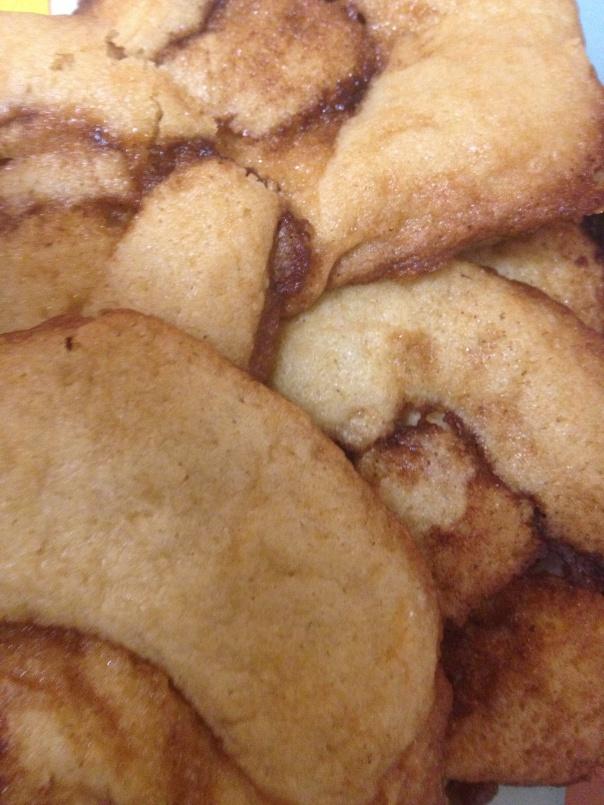Sticky cinnamon roll cookies